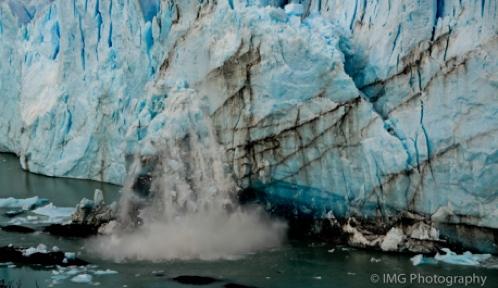 Migraine aura parasthesia represented by melting glacier